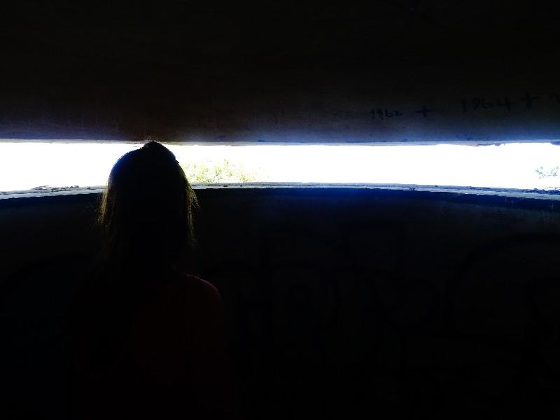 Schattenspiele im Bunker