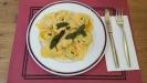 Ravioli mit Quark-Spinatfüllung an Buttersauce